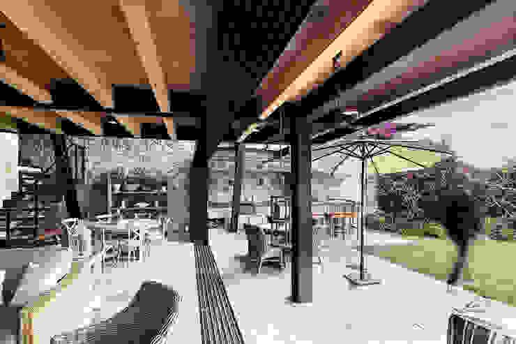 Teras oleh Método Arquitectos, Minimalis