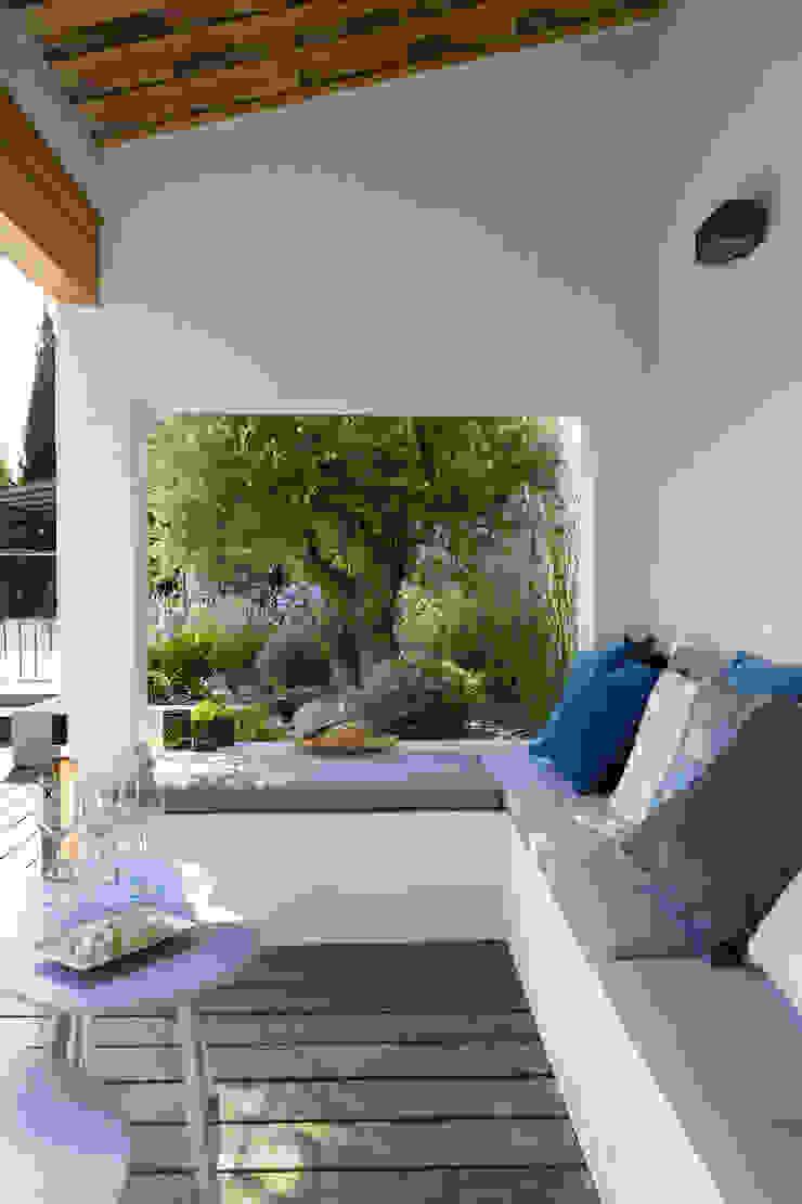 AIX-EN-PROVENCE - Rénovation d'inspiration contemporaine Jardin méditerranéen par Agence MORVANT & MOINGEON Méditerranéen