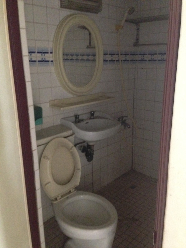 二樓衛浴 by 御棠營造有限公司
