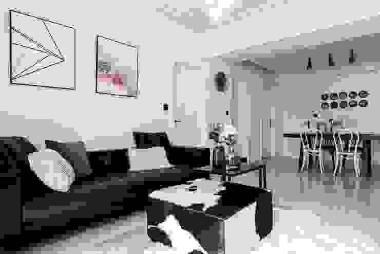 by 理絲室內設計有限公司 Ris Interior Design Co., Ltd. Scandinavian