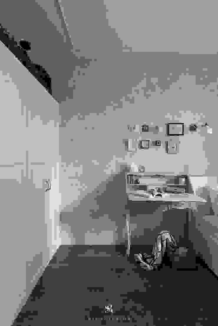 皓慕.Home Home Amore 根據 理絲室內設計有限公司 Ris Interior Design Co., Ltd. 鄉村風