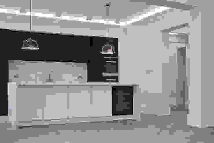 Black Kitchen Minimalist kitchen by Jigsaw Interior Architecture Minimalist Marble