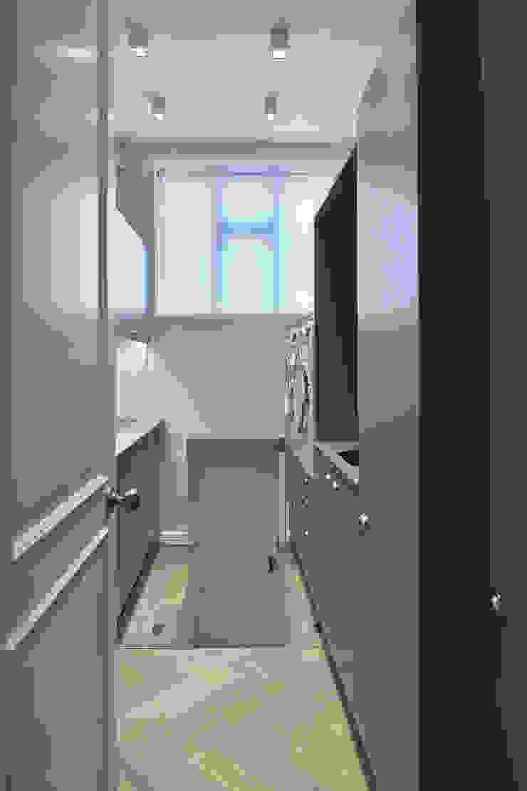 Hampstead Heath Home Minimalist wine cellar by Jigsaw Interior Architecture Minimalist Wood Wood effect