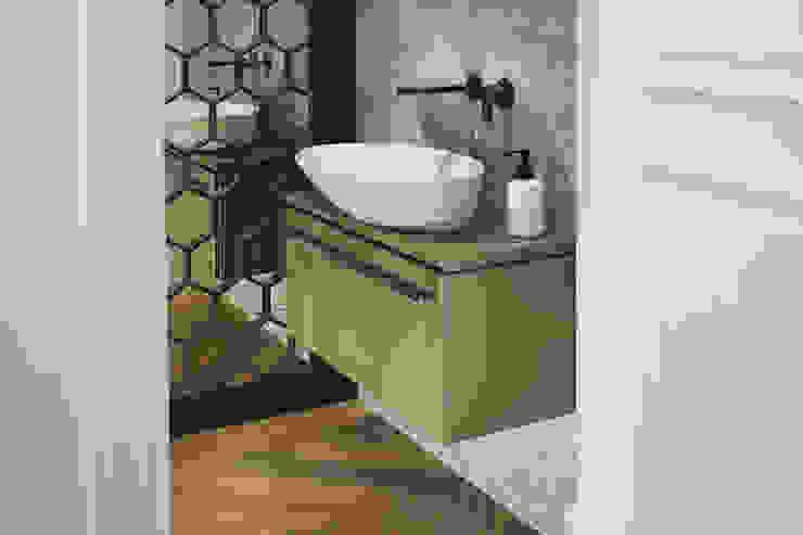 Hampstead Heath Home Minimalist bathroom by Jigsaw Interior Architecture Minimalist Glass