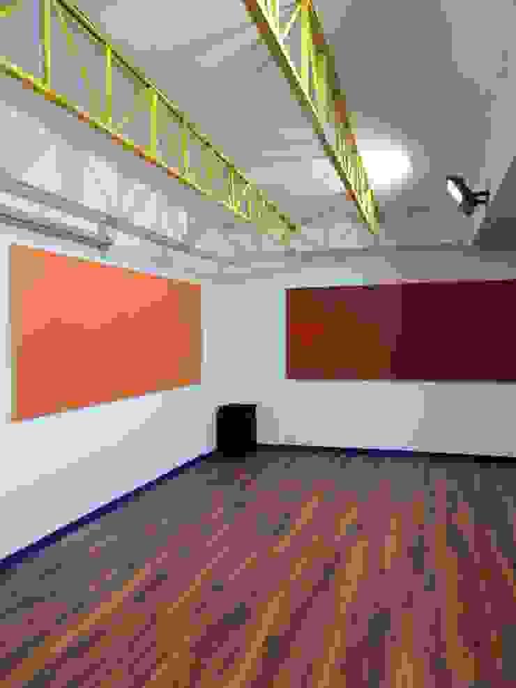 REMODELACION COLEGIO ALAMIRO, Sala de Audio OTEC de CREARCO Moderno Ladrillos