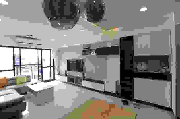 客廳 现代客厅設計點子、靈感 & 圖片 根據 hhurry1020tw 現代風