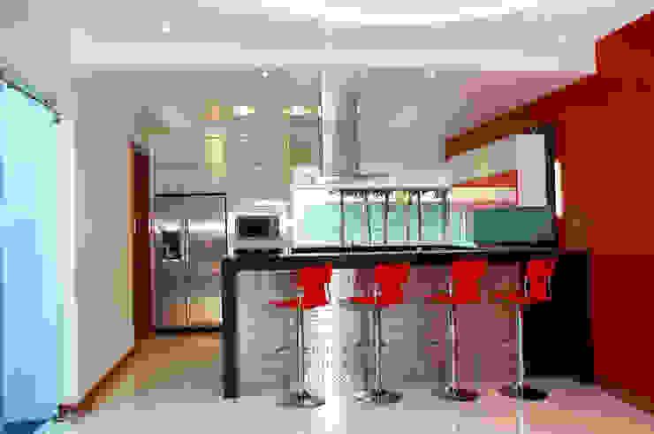COCINA Cocinas de estilo moderno de arketipo-taller de arquitectura Moderno
