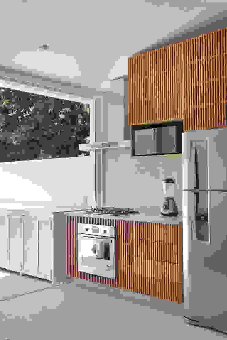 House in Rio Modern kitchen