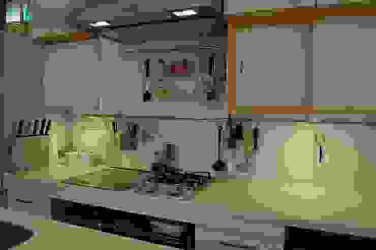 Asiatische Küchen von 田村建築設計工房 Asiatisch