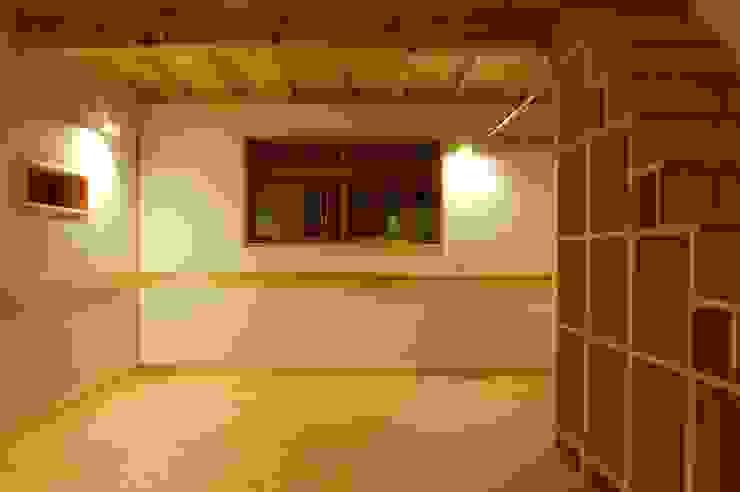Dormitorios de estilo asiático de 田村建築設計工房 Asiático