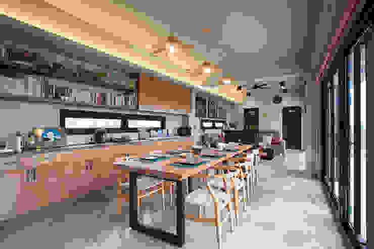 Dining room by 築里館空間設計