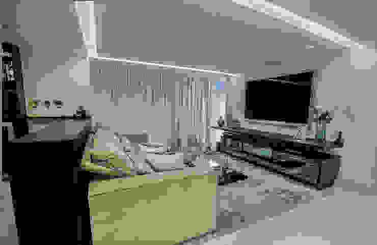 Estar e TV Carolina Fontes Arquitetura Salas de estar modernas