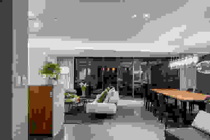 NIVEL TRES ARQUITECTURA Modern living room Stone Grey