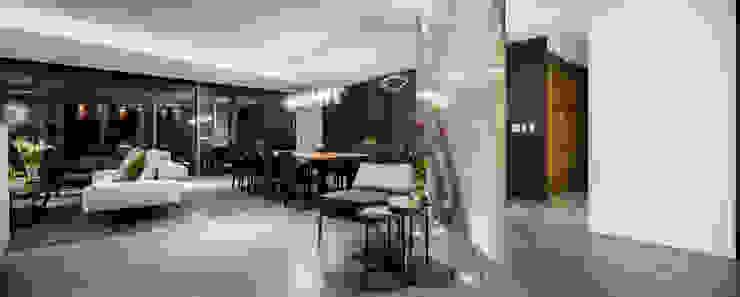 NIVEL TRES ARQUITECTURA Salle à manger moderne Marbre Gris