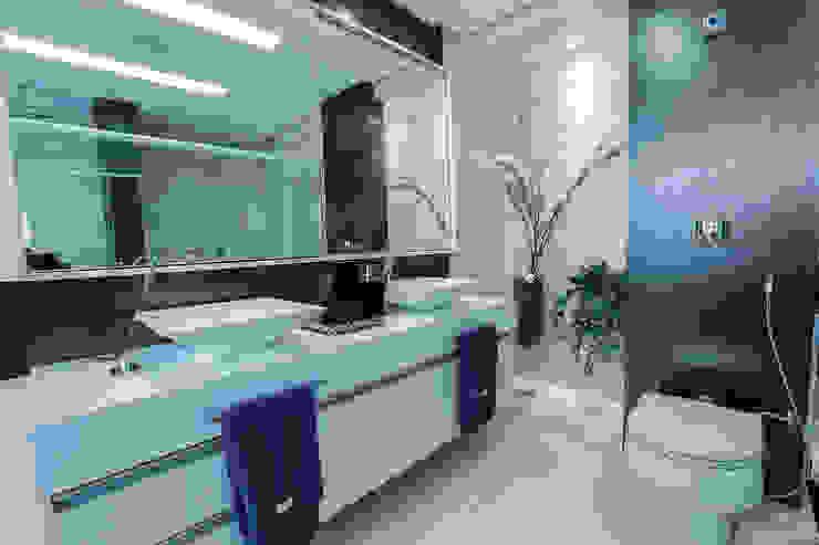 Bancada com duas cubas Carolina Fontes Arquitetura Banheiros modernos