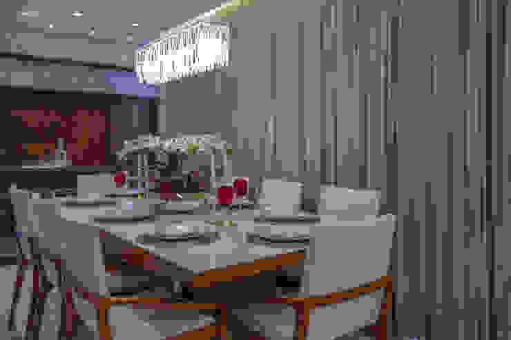 Mesa posta Carolina Fontes Arquitetura Salas de jantar modernas