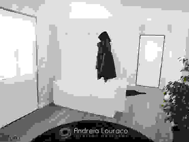 Modern Corridor, Hallway and Staircase by Andreia Louraço - Designer de Interiores (Contacto: atelier.andreialouraco@gmail.com) Modern