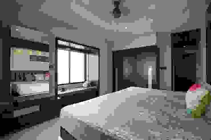 Mr vora's flat Asian style bedroom by studio 7 designs Asian