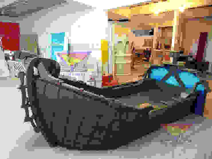 Misterioso barco cama:  de estilo tropical por Kids Wolrd- Recamaras Literas y Muebles para niños, Tropical Derivados de madera Transparente