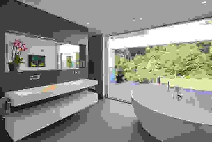 Salle de bain moderne par Falke Architekten Moderne