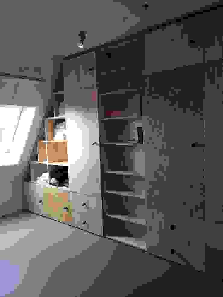 Opmaat gemaakte kastenwand Scandinavische kleedkamers van Tim Vinke - Interior Design Scandinavisch Hout Hout