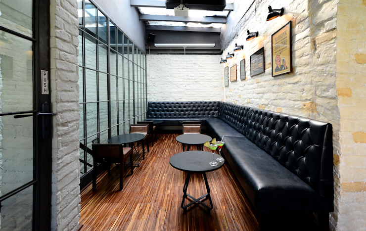 Harry's Bar + Cafe Industrial style bars & clubs by DA Designs Industrial Metal