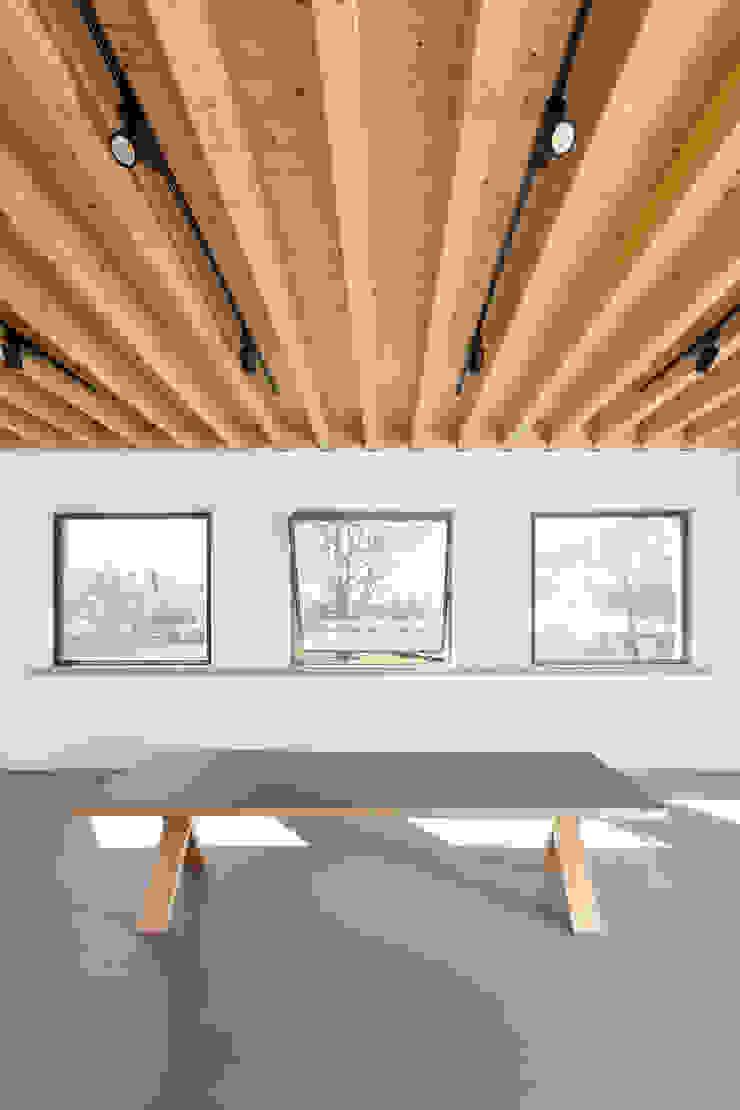Gabriela Pinto Arquitetura Modern study/office