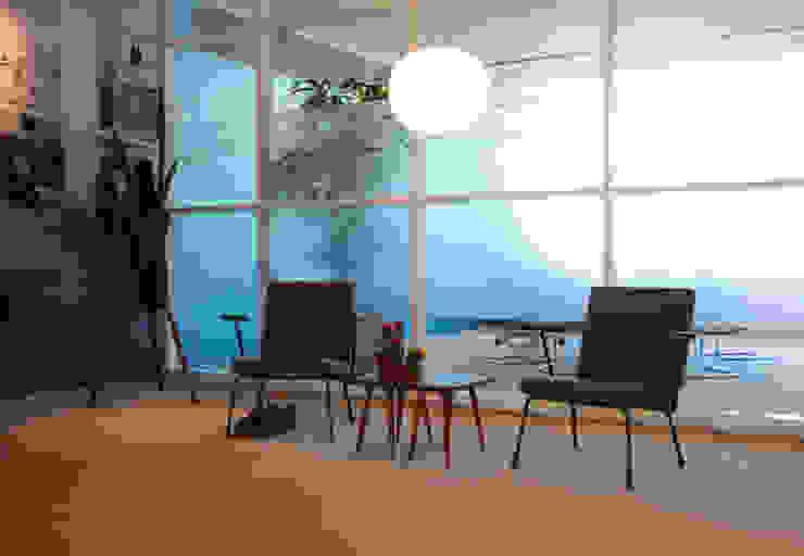 Herinrichting Raad van Bestuur woningcoöperatie Rochdale van peter dautzenberg + partners interieur+architecten bna+bni