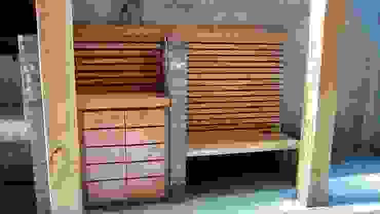 TERRAZA Y QUINCHO, vista banca y mueble CREARCO Balcones y terrazas modernos Madera Acabado en madera