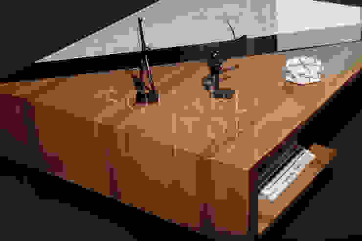 Mesa de centro Versiliana, Marmol, vidrio, madera. de SquareTop Design Escandinavo Mármol