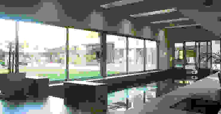 CASA en SAN DIEGO Piletas modernas: Ideas, imágenes y decoración de MZM   Maletti Zanel Maletti arquitectos Moderno