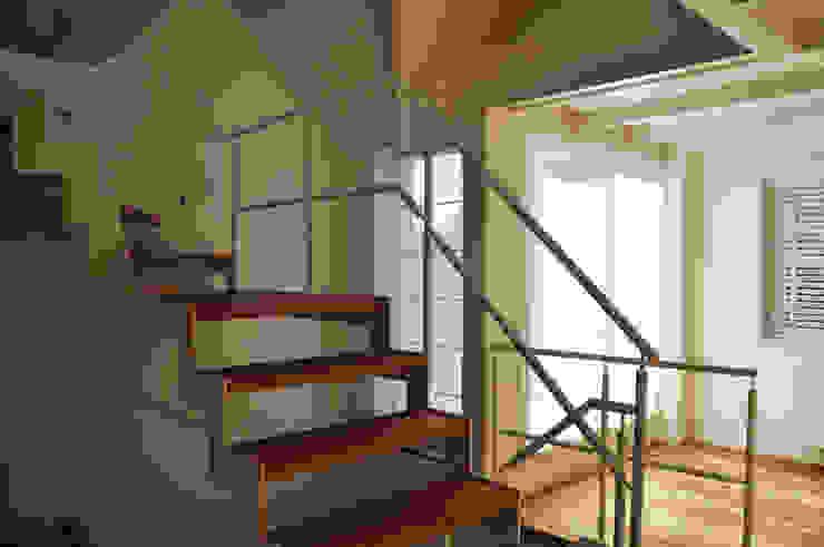Uitbreiding monumentale woning Bergen Moderne gangen, hallen & trappenhuizen van Nico Dekker Ontwerp & Bouwkunde Modern
