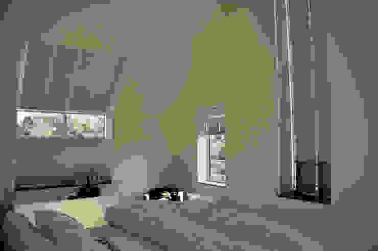 Uitbreiding monumentale woning Bergen Moderne slaapkamers van Nico Dekker Ontwerp & Bouwkunde Modern