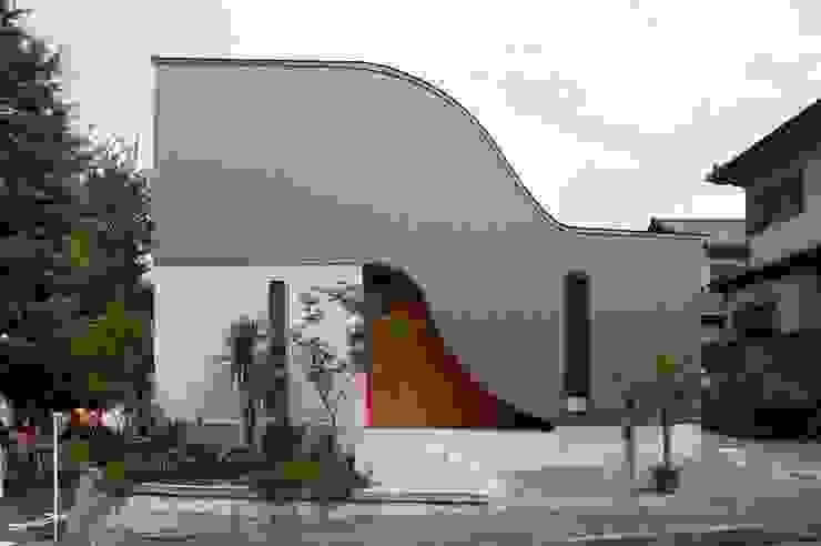 Casas modernas de 藤井伸介建築設計室 Moderno