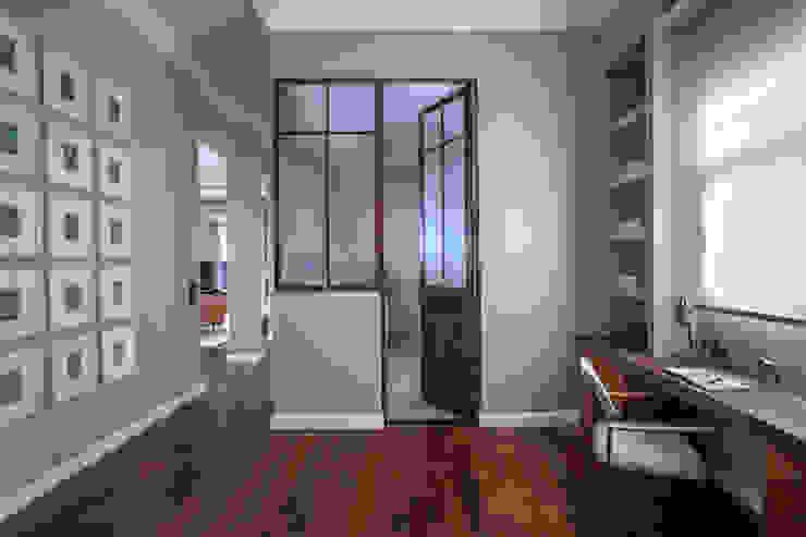 Oficinas y bibliotecas de estilo ecléctico de homify Ecléctico