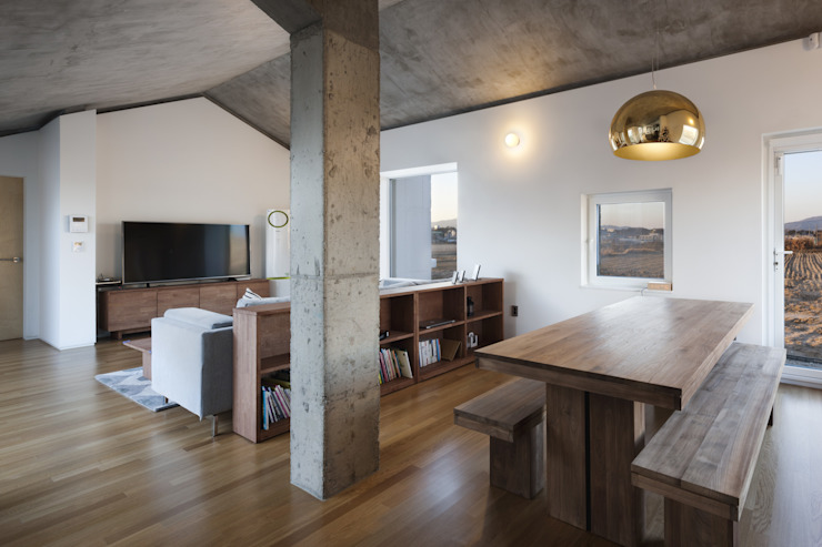 Farmer's House (ㄷHouse) Rustic style dining room by 에이오에이 아키텍츠 건축사사무소 (aoa architects) Rustic