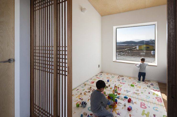 Farmer's House (ㄷHouse) Asian style nursery/kids room by 에이오에이 아키텍츠 건축사사무소 (aoa architects) Asian