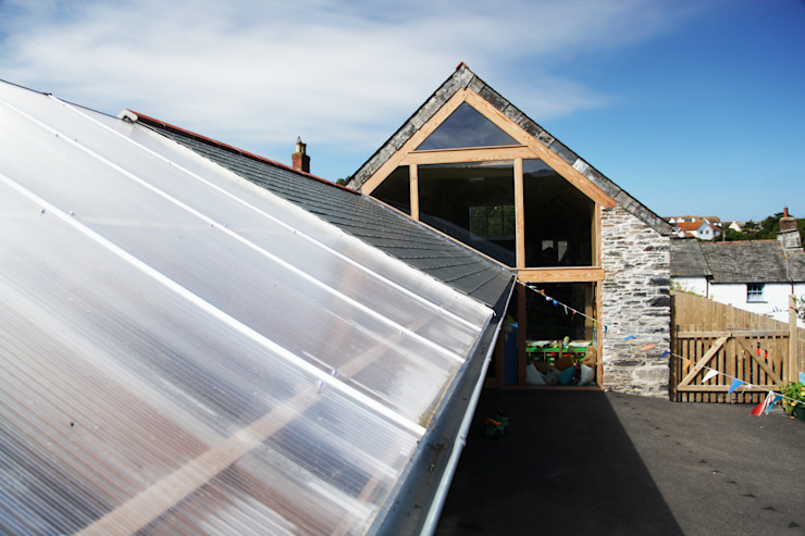 Boscastle Pre-school roof Modern schools by Innes Architects Modern Wood Wood effect