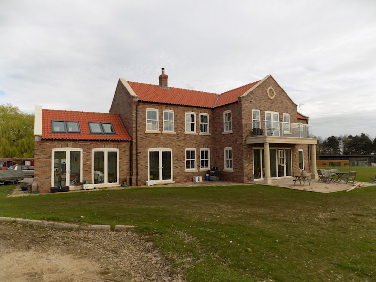 New dwelling in the Wolds par Samuel Kendall Associates Limited