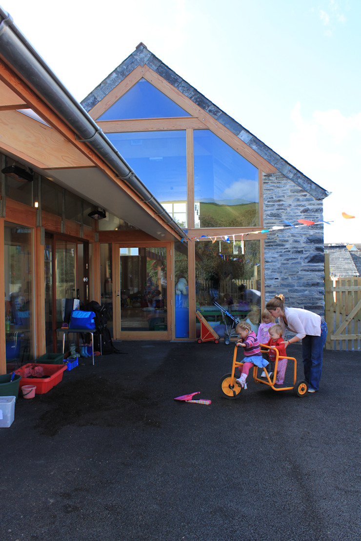 Boscastle Pre-school timber playground Modern schools by Innes Architects Modern Wood Wood effect