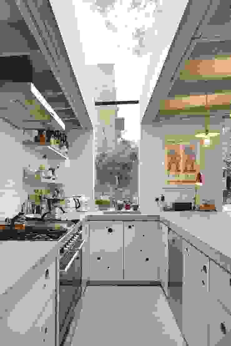 Kitchen Modern Kitchen by Fraher and Findlay Modern Concrete