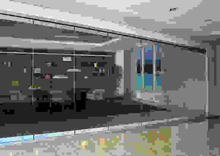 Cerramiento Seeglass Big : Ventanas de estilo  por Ayuso Euro Systems, Moderno Aluminio/Cinc