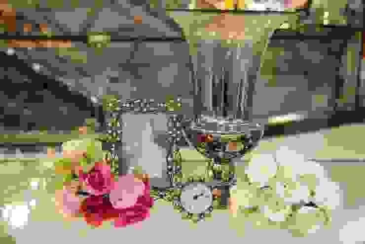 แจกันพร้อมกรอบรูป ของตกแต่งบ้าน: คลาสสิก  โดย Tyme Holding Co.,Ltd, คลาสสิค กระจกและแก้ว