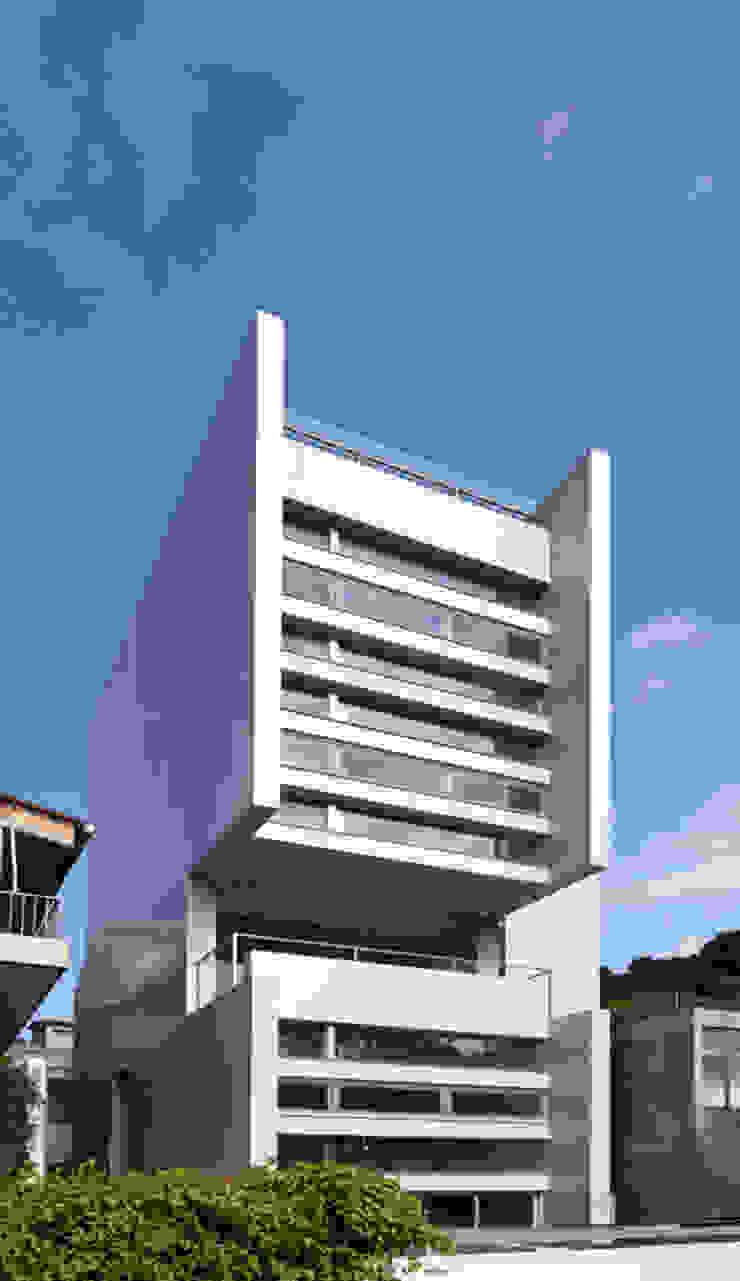 何宅 House H 根據 何侯設計 Ho + Hou Studio Architects 簡約風