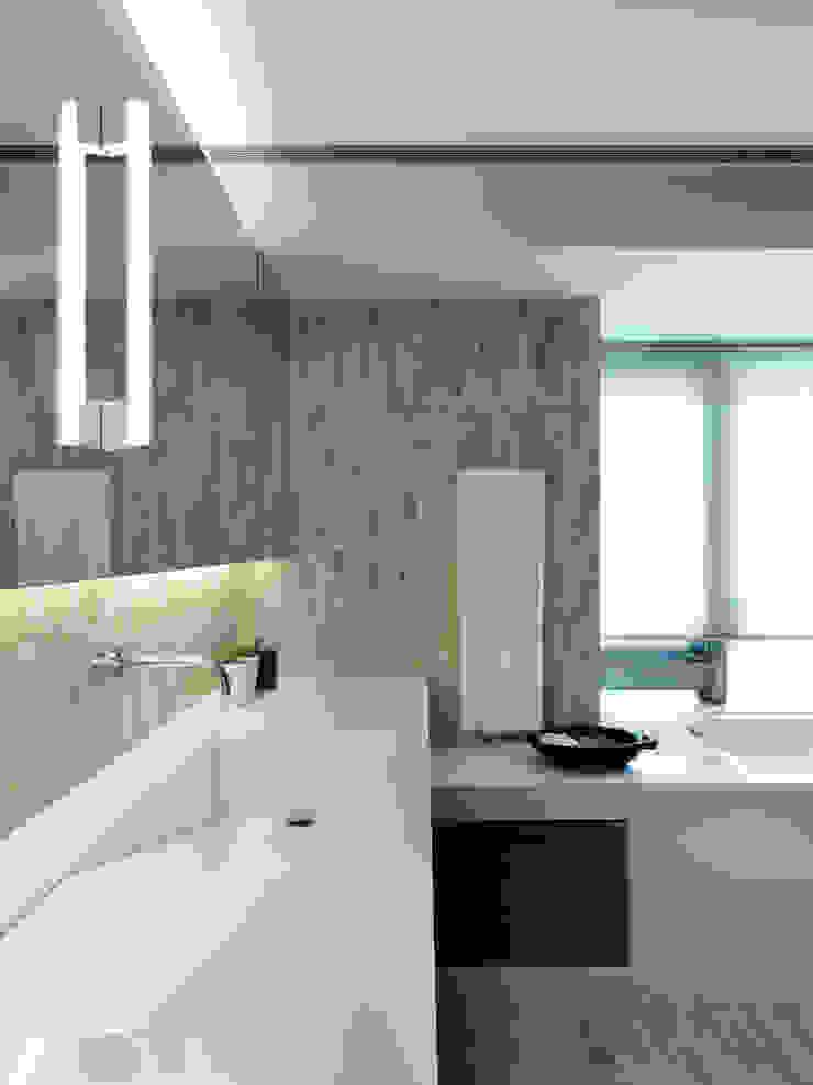 陳宅 Chen Residence 現代浴室設計點子、靈感&圖片 根據 何侯設計 Ho + Hou Studio Architects 現代風