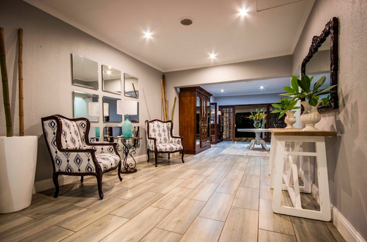 White River Manor Country style corridor, hallway& stairs by Principia Design Country