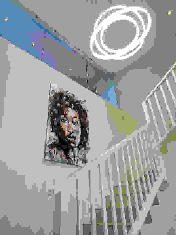 Principia Design Minimalist corridor, hallway & stairs