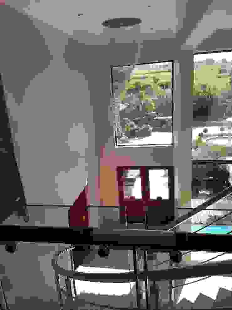 House Swaziland Modern Corridor, Hallway and Staircase by Principia Design Modern