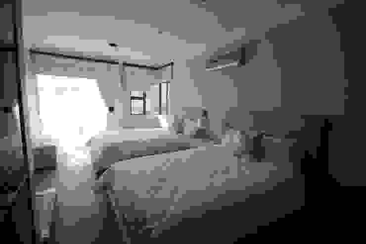 Principia Design Modern style bedroom