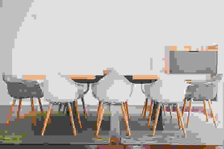 Villa Carlota Modern Dining Room by Fragmentos Design Modern